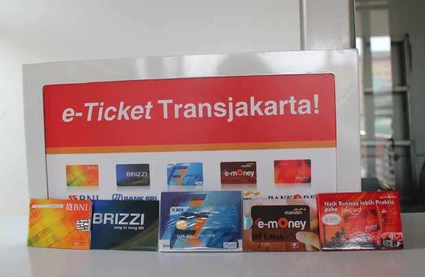 Kemudahan Pembayaran dengan Kartu Plastik 1
