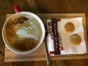 Ini bukan dari Filosofi Kopi - tapi di balik secangkir kopi ada filosofinya. Menurut kalian apa yang ada di cangkir ini?