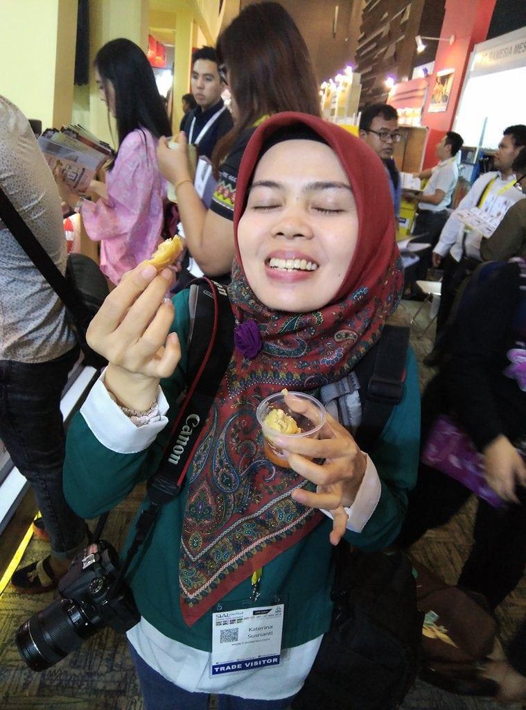 cicip hasil demo masak di bungasari di sial interfood 2016
