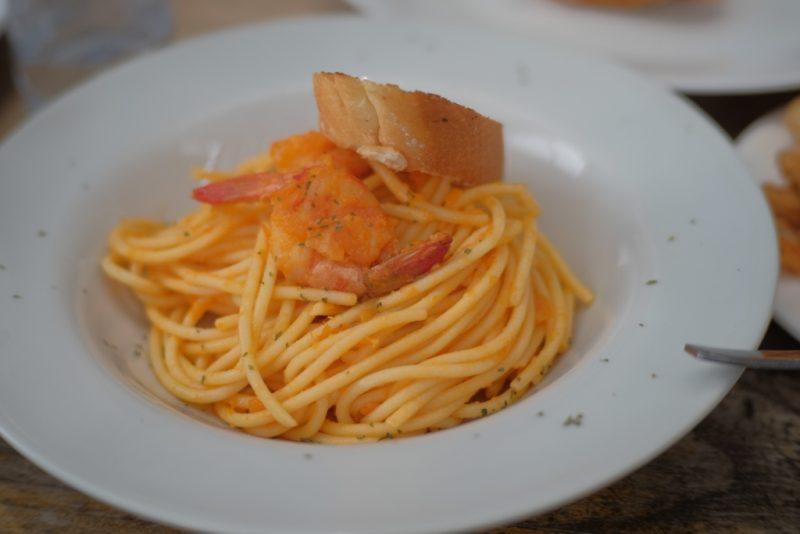makanan pasta di dapur seafood pantai mutiara