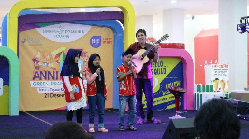 berbagi bersama anak penyintas kanker