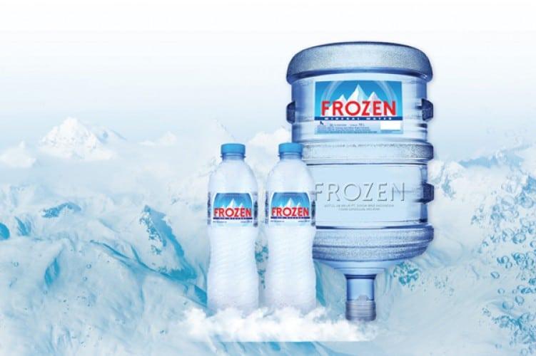 frozen air mineral sponsor utama pertandingan sepakbola indonesia vs islandia