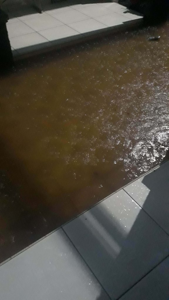 mengingat kenangan lama gara gara banjir di kos